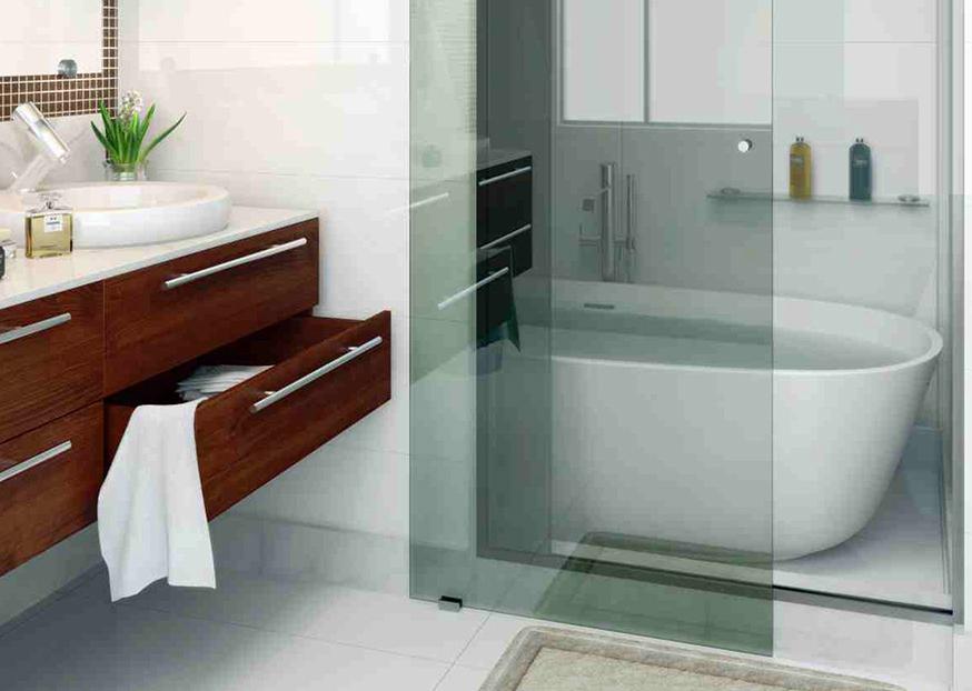 Os acessórios de vidro são especialmente indicados por tornarem a atmosfera  envolvente e remeterem à sensualidade da água por sua transparência. 4391b6a785c7a
