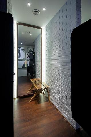Espelho com LED corredor