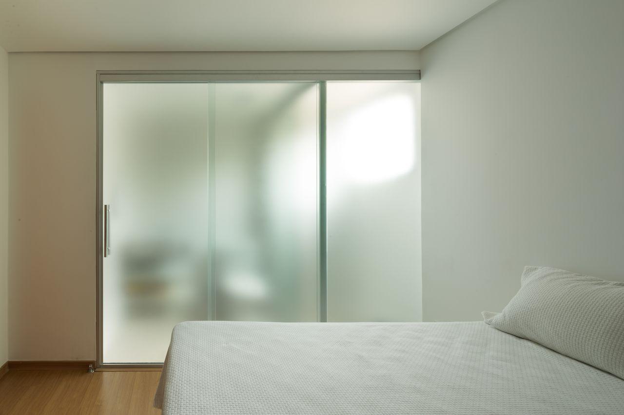 benefícios da porta de vidro quarto