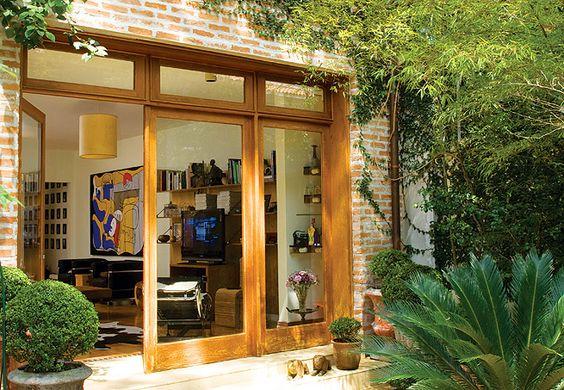 porta de vidro com madeira