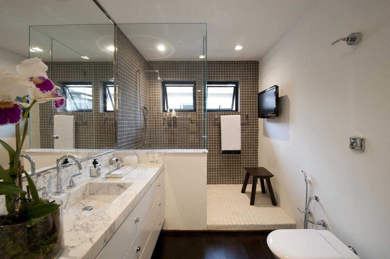 banheiro janela de vidro