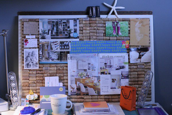 mural escritório rolhas