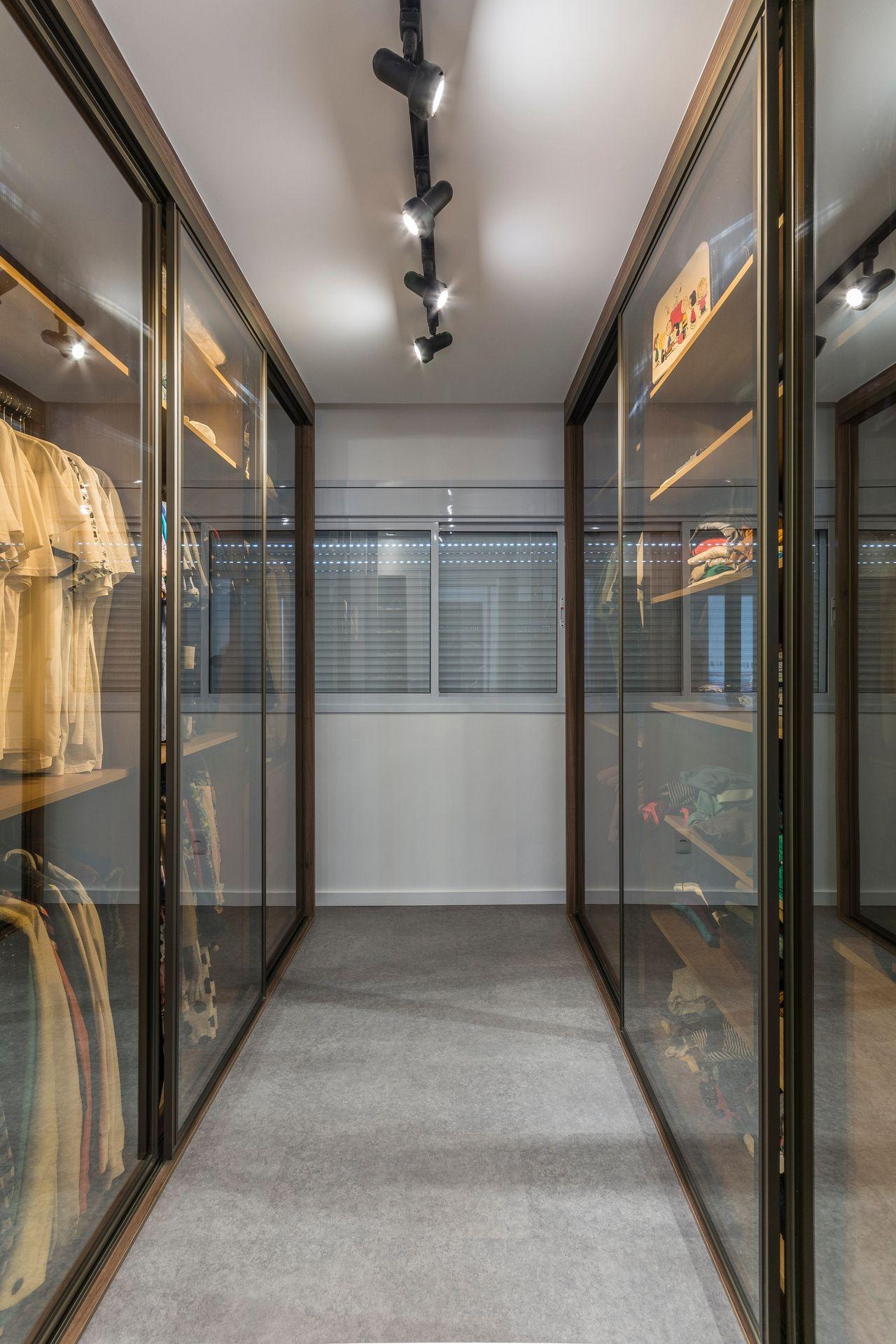 closet vidro bronze